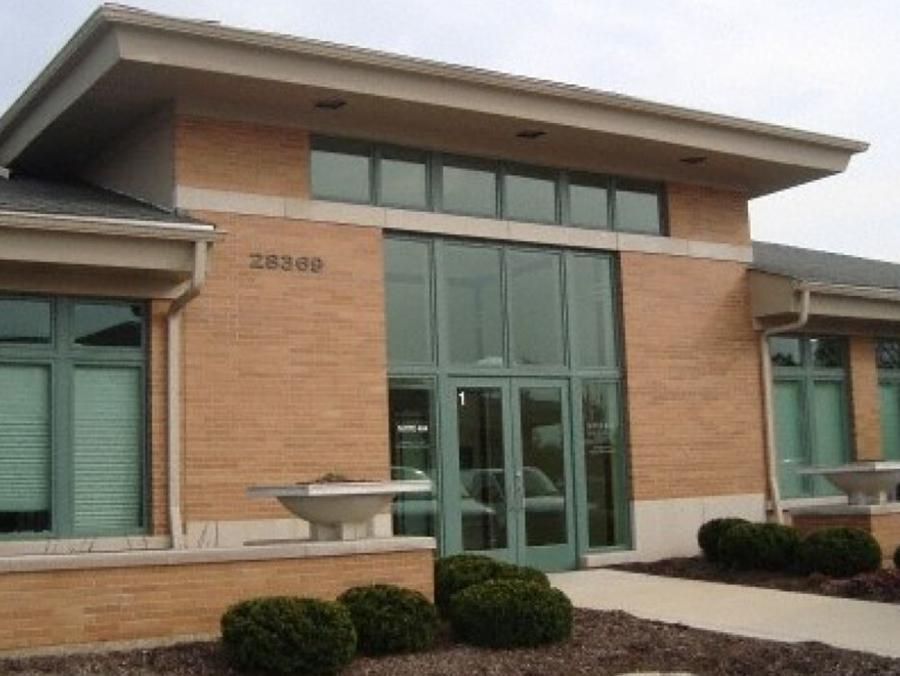 Commercial Real Estate For Sale 28369 Davis Parkway, Warrenville, IL 60555